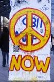 Graffiti su Berlin Wall in Potsdamer Platz Fotografie Stock Libere da Diritti