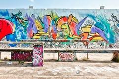 Graffiti sulla parete di Mauerpark a Berlino Fotografia Stock