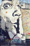 Graffiti sulla parete a Parigi vicino alla fontana di Stravinsky Immagine Stock Libera da Diritti