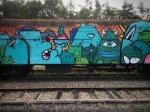 Graffiti sur le train de fret abandonné photo libre de droits