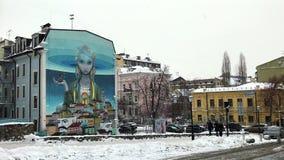 Graffiti uliczna sztuka na Andriyivskyy spadku w Podil zbiory wideo