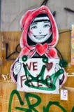 Graffiti und etikettieren Nahaufnahme: Fremantle, West-Australien Lizenzfreie Stockfotografie