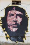 Graffiti variopinti di Che Guevara su una parete in Pampatar, Venezuel fotografie stock