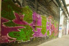 Graffiti züchten auf Verzicht 798 Fabrik Lizenzfreie Stockbilder