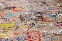 Graffiti Zakrywający chodniczek NYC Fotografia Stock