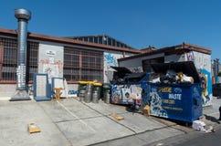 Graffiti zakrywali budynek w tylnej ulicie Collingwood, Melbourne Zdjęcia Stock