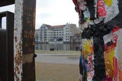 Graffitidetail van de muur van Berlijn, de zijgalerij van het oosten Stock Afbeelding