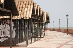 Graffitihäuser auf der Faro-Promenade lizenzfreie stockbilder