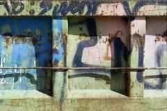 Graffition uma porta velha do metal foto de stock royalty free