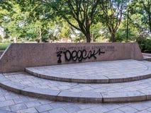 Graffitti na John Fitzgerald Kennedy parka znaku, Cambridge, msza zdjęcie royalty free