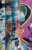 Graffity en el poste Imágenes de archivo libres de regalías