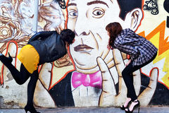 Graffity kyss arkivfoton