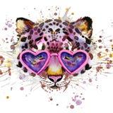 Grafici della maglietta del leopardo Illustrazione del leopardo con il fondo strutturato dell'acquerello della spruzzata royalty illustrazione gratis