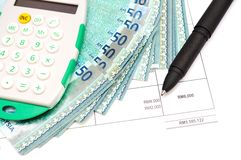 Grafici e soldi di analisi tecnica Immagine Stock Libera da Diritti