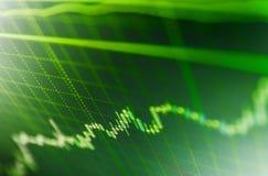 Grafico del mercato azionario sullo schermo LCD Schermo blu dei dati di finanza fotografia stock