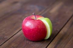 Grafico della torta di mele fatto dal settore verde in un cerchio rosso Immagine Stock