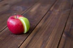 Grafico della torta di mele fatto dal settore verde in un cerchio rosso Immagini Stock