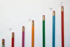 Grafico di crescita delle matite Fotografia Stock