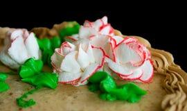 Grafico a torta con le rose bianche Fotografie Stock