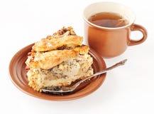 Grafico a torta della pera e del Apple con una tazza di tè Fotografie Stock Libere da Diritti