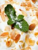 Grafico a torta di Apple nel glassare della vaniglia Fotografia Stock
