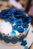Grafico a torta 8 di cerimonia nuziale Blu dolce e bianco del dolce Fotografie Stock