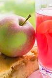 grafico a torta di mela e frutta stufata Immagine Stock