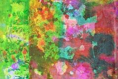Grafik der gemischten Medien, bunte künstlerische gemalte Schicht der Zusammenfassung in der grüne, rote Farbpalette auf Schmutzb stockbild