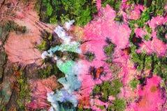Grafik der gemischten Medien, bunte künstlerische gemalte Schicht der Zusammenfassung im Rosa, grüne Farbpalette auf Schmutzbesch lizenzfreie stockbilder