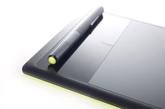 Grafische Tablet en Pen op Witte Achtergrond Royalty-vrije Stock Foto