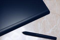 Grafische Tablette mit Stift f?r Illustratoren und Designer stockfoto