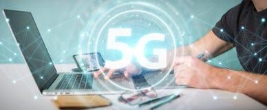 Grafisk formgivare som använder tolkningen för manöverenhet för nätverk 5G 3D stock illustrationer