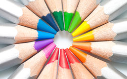 Grafit färgad blyertspennor fodrad cirkel arkivfoton