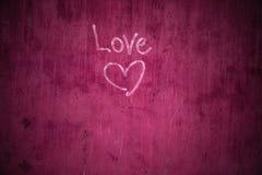 Grafiti sbiadito sulla parete incrinata del cemento Fotografia Stock Libera da Diritti