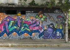 Grafitti av piratkopierar tema Arkivbilder
