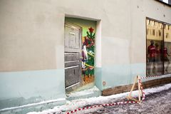 Grafitti dörr till det sovjetiska nya året ` St Petersburg Ryssland royaltyfri bild