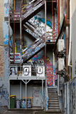 Grafitti i Melbourne' s Laneways royaltyfria foton