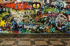 Grafitti i Prague Arkivbild