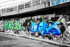 Grafitti med monokrom Arkivbilder
