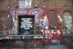 Grafitti på den östliga Williamsburg grannskapen i Brooklyn, New York royaltyfria foton