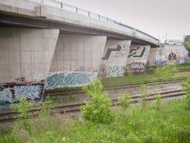 Grafitti på den Dundas gatabron, Toronto, Kanada Royaltyfri Fotografi