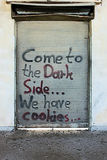 Grafitti på en dörr Arkivbilder