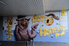 Grafitti på en vägg som visar ett svin, gillar djuret fotografering för bildbyråer