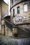 Grafitti på gammal byggnad Royaltyfria Foton