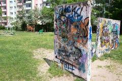 Grafitti på lekplatsen. Royaltyfri Fotografi