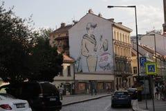 Grafitti som annonserar Pepsi Cola på en byggnad i Prague royaltyfri bild
