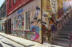 Grafittikonst av den ValparaÃso staden i Chile Arkivfoto