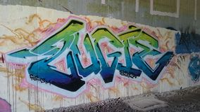 Grafittikonst på bron under A38 Derbyshire Royaltyfri Fotografi