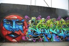 Grafittikonst på den storstads- avenyn i Brooklyn Fotografering för Bildbyråer