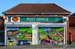 Grafittis em uma estação de correios Imagem de Stock Royalty Free